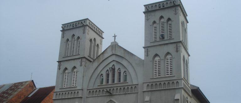 Article : Quand l'église devient la bête noire du pouvoir de Kinshasa